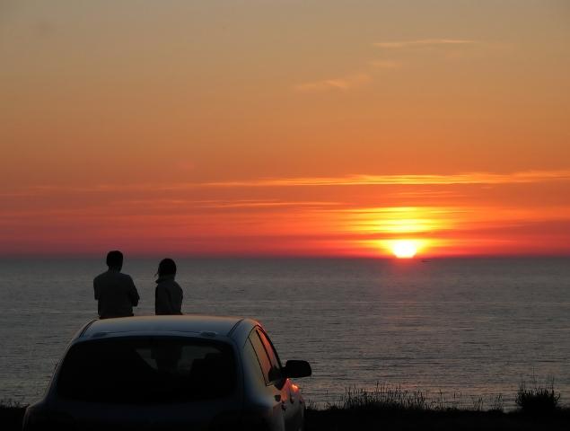 beach couple sunset