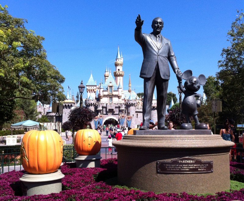 Disneyland Main Street with Walt Disney Statue