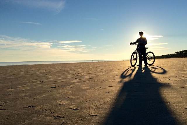 Bicycle on the beach. Trip Wellness. Bicycle Miami.