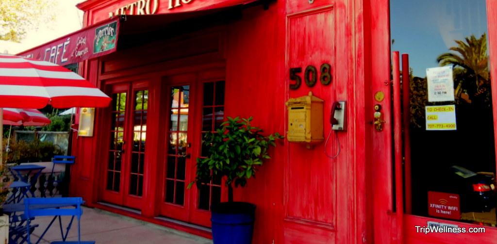 Visiting Paris in Petaluma – Metro Hotel and more