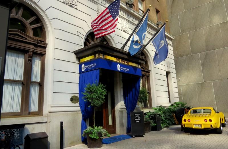 Valet entrance, the Whitney Hotel