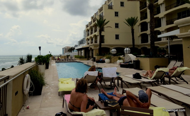 Deck pool Fort Lauderdale across from the beach