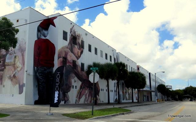 street mural painting wynwood district