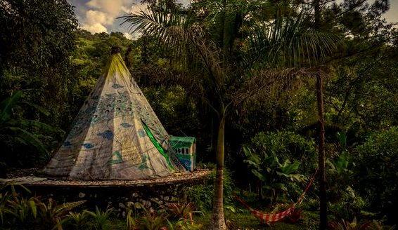 Tee Pee sleep at Casa Caracol - photo via Trover,
