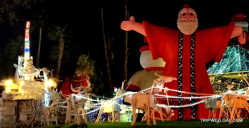 robolights santa welcomes you to Palm Springs holiday lights