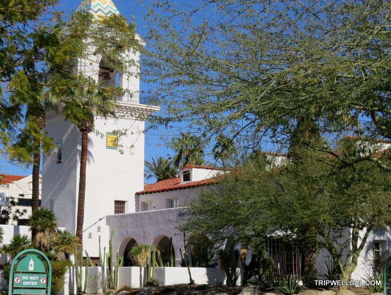 Mirador hotel that Elvis left long ago.