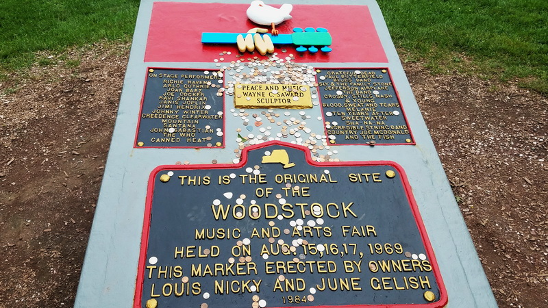 Memorial plaque at the Woodstock site.