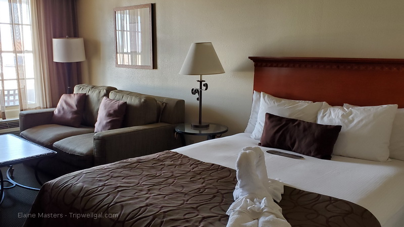 Guest room in the Yuma Historic Coronado Motor Hotel