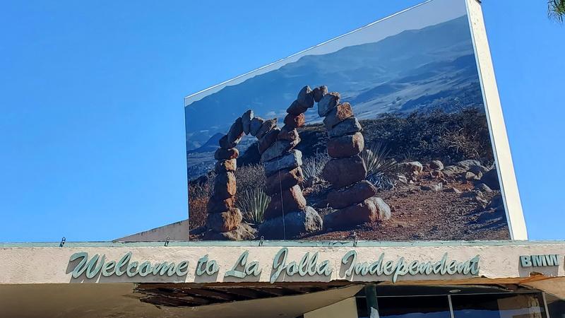Roman de Salvo's McCairn mural jest above a Bird Rock auto distribution outlet