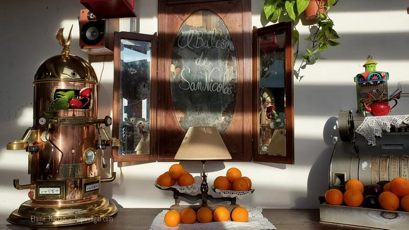 Oranges on the sideboard at Granada's El Balcon de San Nicolas