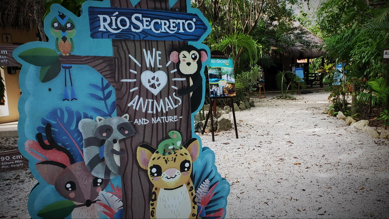 Entry sign at the Rio Secreto Nature Reserve